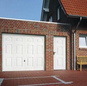 Puerta basculante automática para garaje