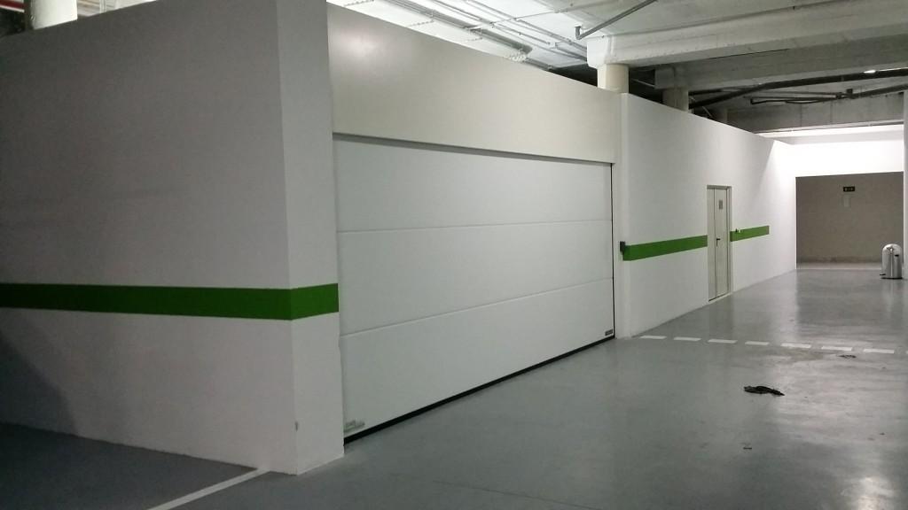 puerta garaje comunitario