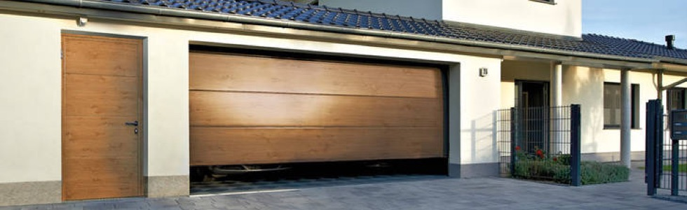 puerta peatonal de garaje